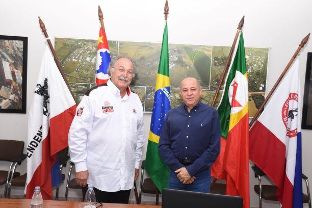 Jeronimo Muzetti com o presidente da Comissão de Ética Mussa Calil Neto(Diego Rodrigues)